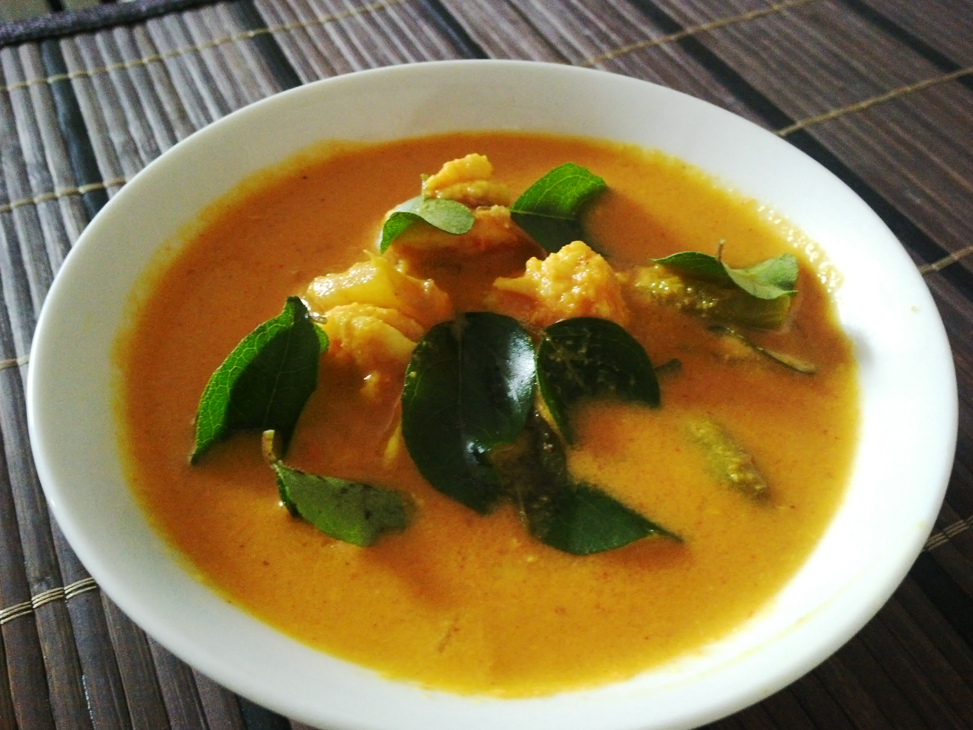 Chemeen Manga Curry (Prawn Mango Curry) – Kannur style