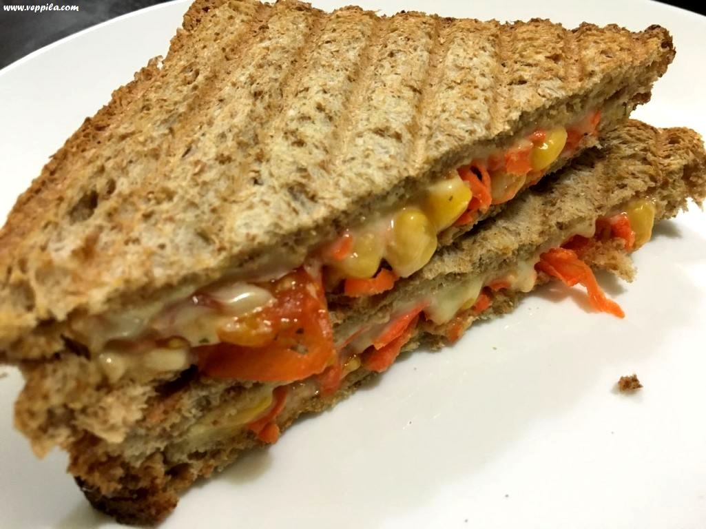 Grilled cheesy Sandwich with carrot and sweet corn